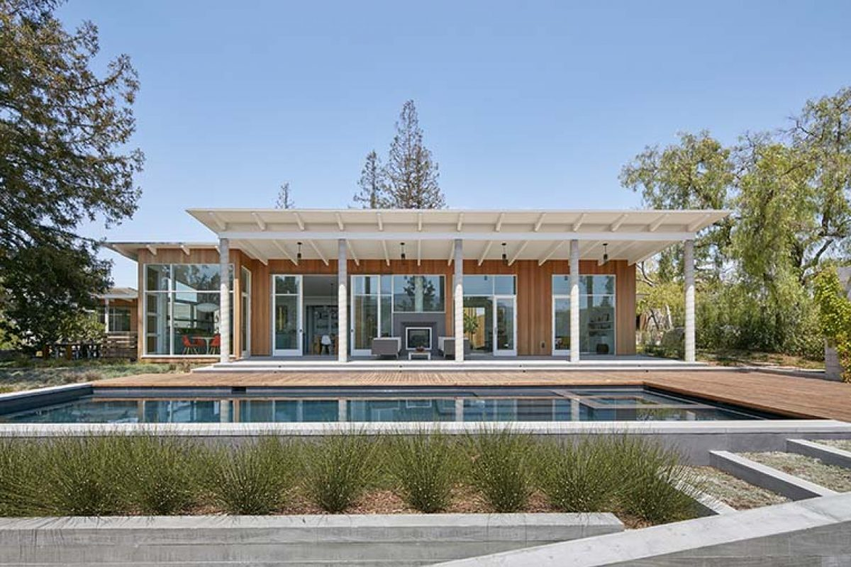 Malcolm Davis Architecture designed a sustainable, modern-day California Ranch House