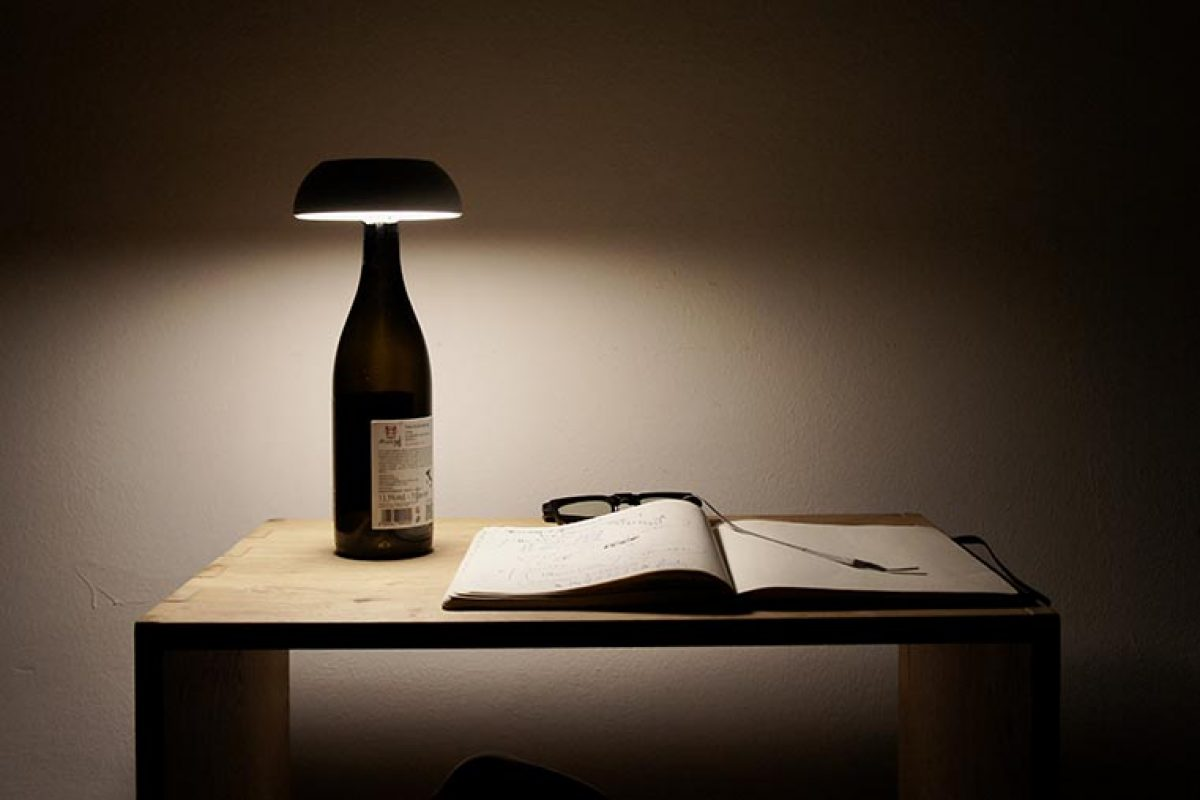 Float, the convertible portable lamp by Mario Alessiani for Axolight