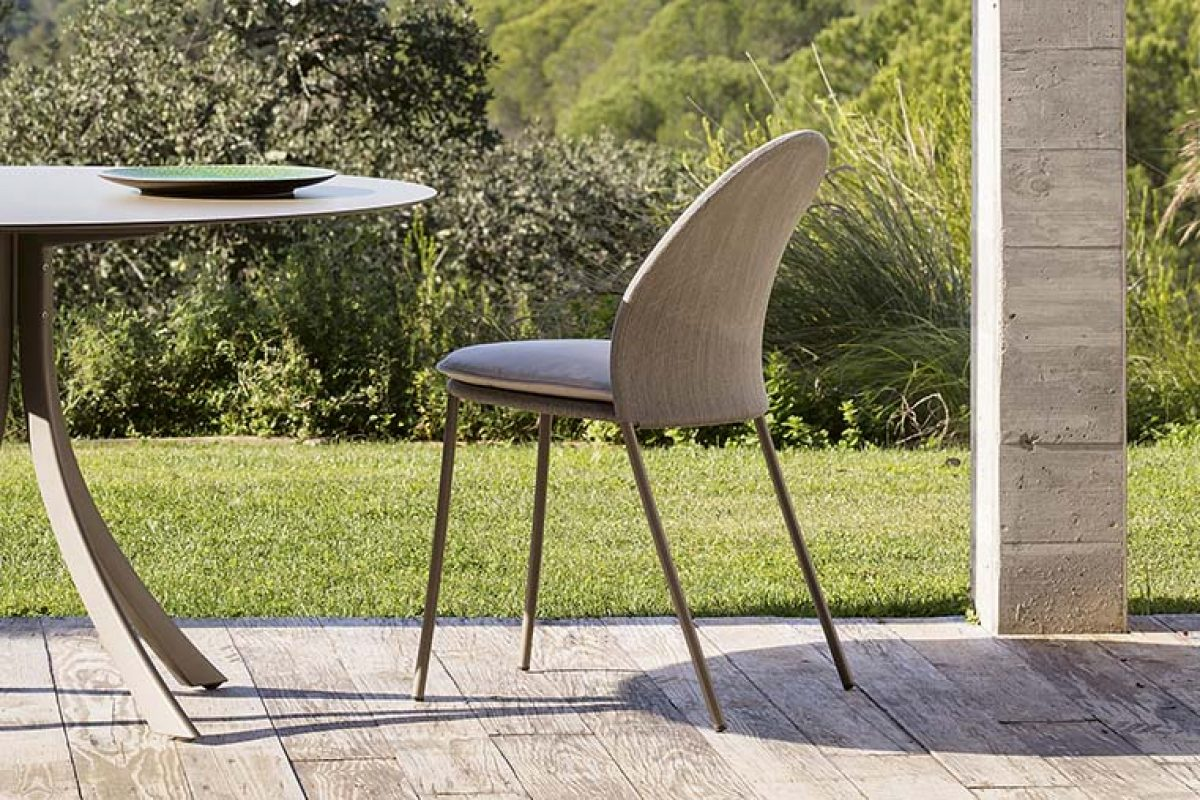 Petalé, the new chair for indoor and outdoor designed by MUT Design for Expormim