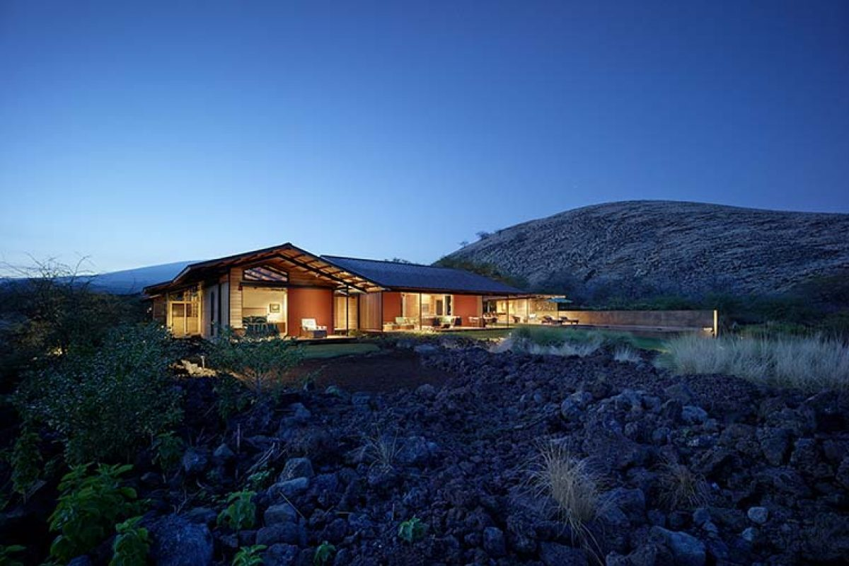 Kahua Kuili Residence by Walker Warner Architects. The modern interpretation of the classic Hawaii summer camp
