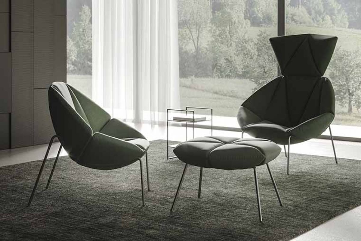 Gino Carollo designed the Mantra seating collection for Ronda Design. Seductive relaxation