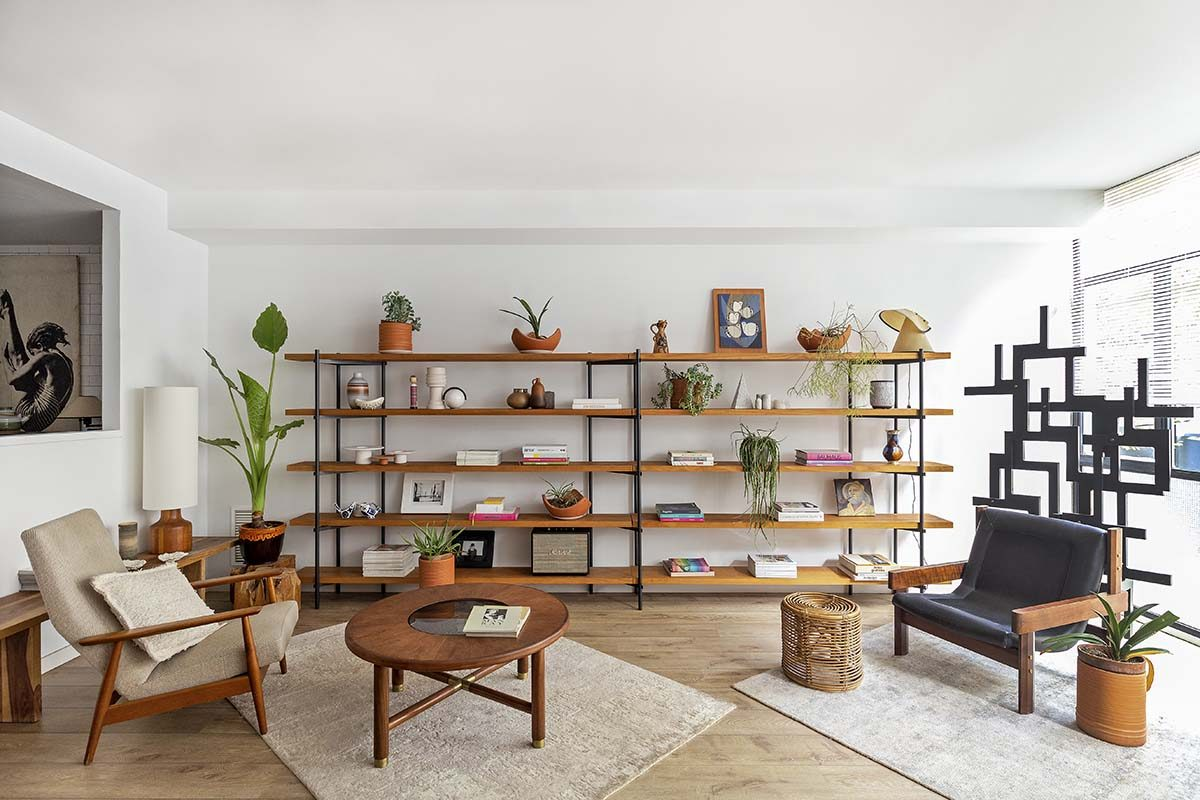 A loft in Barcelona that awakens the sensibility for vintage pieces. A project by Alex March Studio
