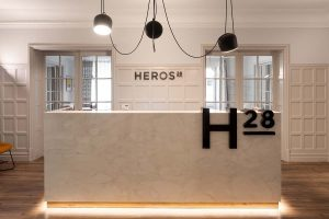 Refurbishment at Notary's Office Heros 28 by Lázaro Estudio. The creation of an art gallery within an office