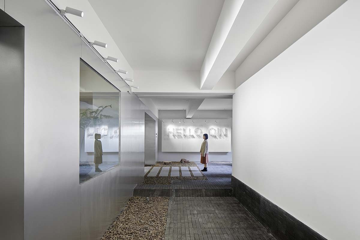 The offices designed by Studio DOTCOF. Working under the same roof